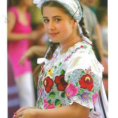 Lány pártában - Absolute Hungary képeslap